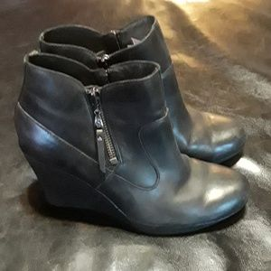 Uggz Australia meredith  black wedge leather shoes